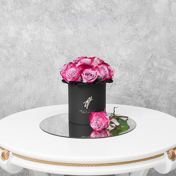 Розы «Deep purple» в черной коробке Small