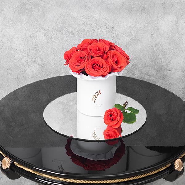 Розы «Нина» в белой коробке Small
