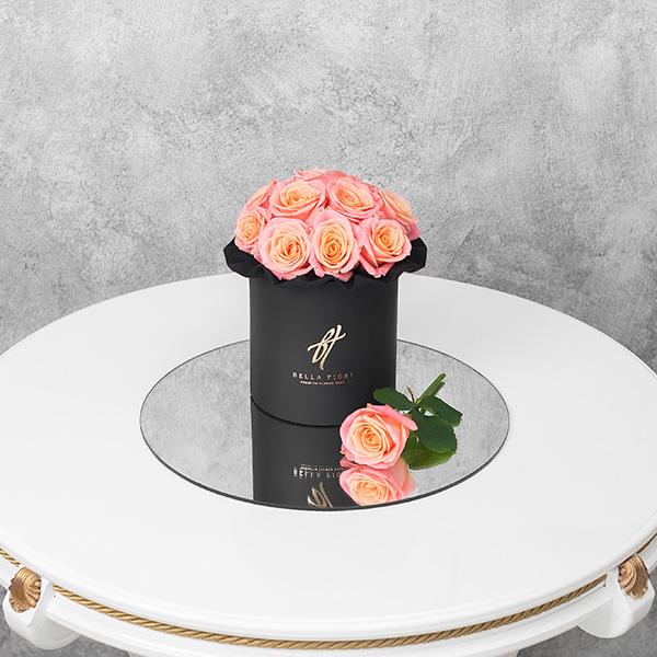 Коралловые розы в черной коробке Small