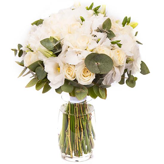 Свадебный букет невесты с белыми розами и гортензией №211