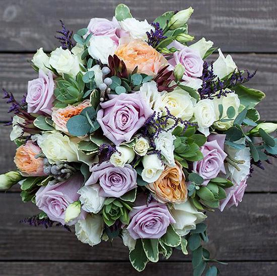 Свадебный букет невесты с сиреневыми розами №245