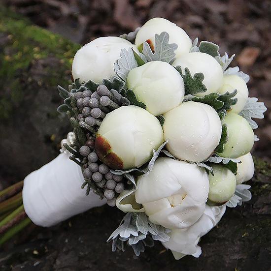 Свадебный букет невесты с белыми пионами №272