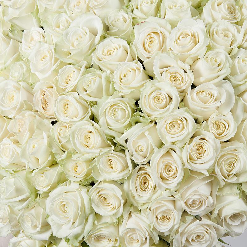 Букет белых роз «Снежный вальс»
