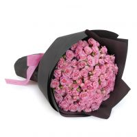 29 кустовых нежно-розовых роз с оформлением