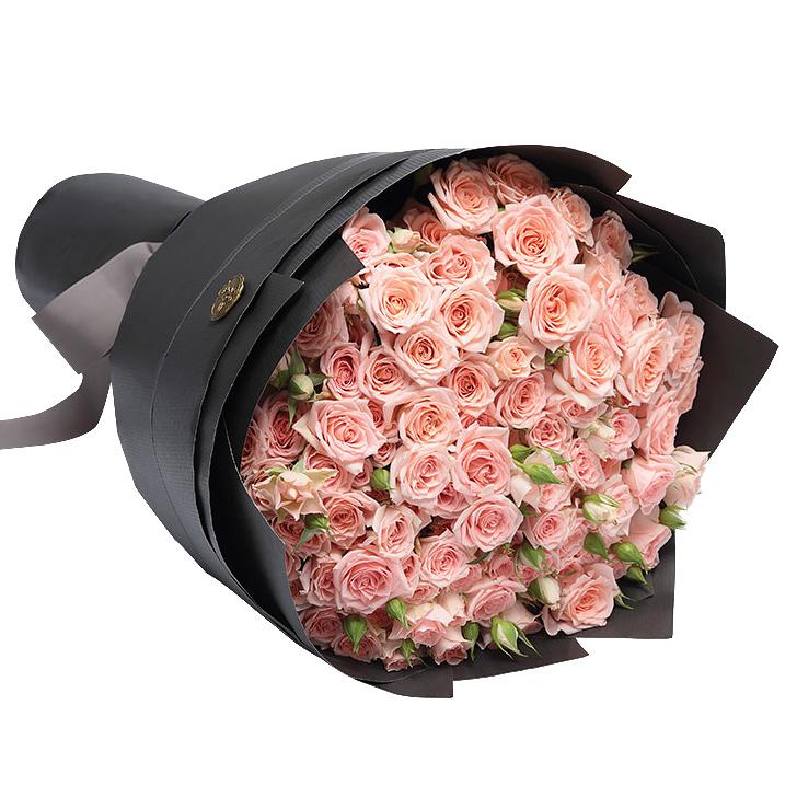 29 кустовых кремовых роз с оформлением