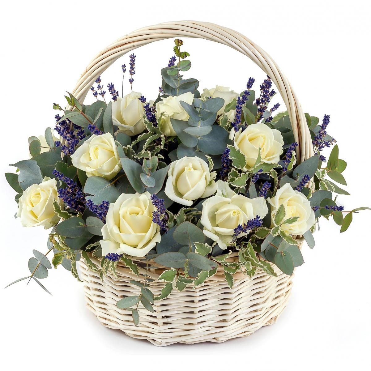 Корзина с розами «Вальс»