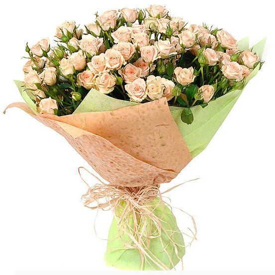 Букет кустовых роз «Айвори»