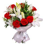 Букет с розами и лилиями «С наилучшими пожеланиями»