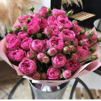 Нежный букет с розами «Мисти бабблс»
