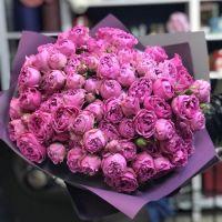 Большой букет роз из 39 роз «Мисти бабблс» с оформлением