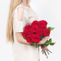 Букет из 11 роз «Ред наоми» 40 см