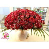 101 роза «Люксор»