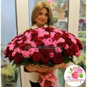 101 роза: розовая + красная