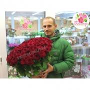 101 красная роза «Гран-при»