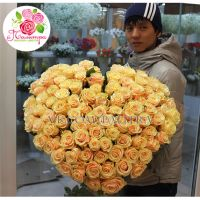 101 кремовая роза «Талея» в форме сердца