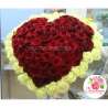 101 роза в форме сердца: красная + белая