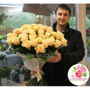 51 кремовая роза «Талея»