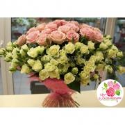 101 роза: нежно-розовая + кустовая белая