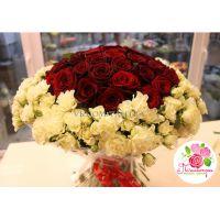 101 роза: красная + кустовая  белая