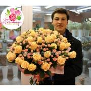51 роза: кремовая + кустовая розовая