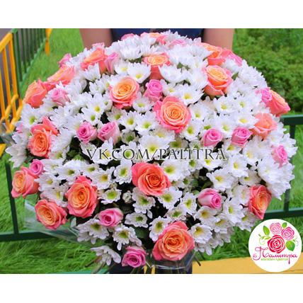 Мегамикс из кустовых хризантем и роз