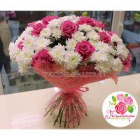 Букет из 20 хризантем и 21 розы «Аква»