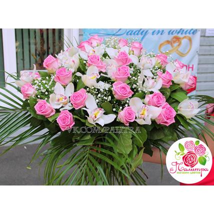 Большой букет с орхидеями и розами