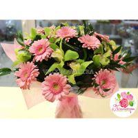 Букет с орхидеями и герберами