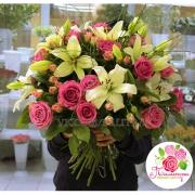 Букет из лилий и роз