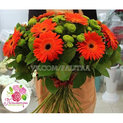 Букет с герберами и хризантемами