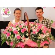 Большая корзина с орхидеями и розами