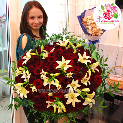 Букет из 101 розы и лилий