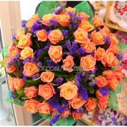 51 персиковая роза + статица