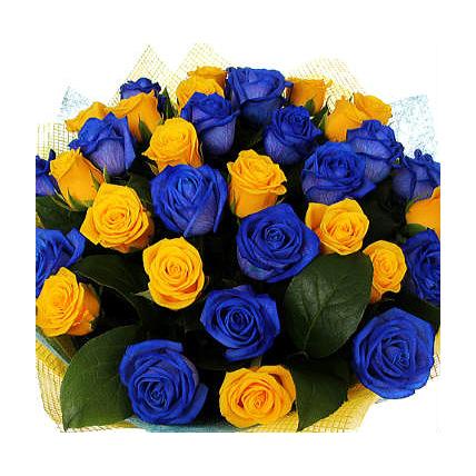 Букет из 39 роз: синие и желтые