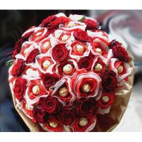Букет с конфетами «Ферреро» и красными розами