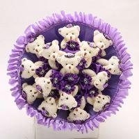 Букет из 15 мишек с юбочками фиолетовый