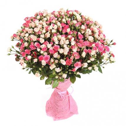 51 кустовая роза: нежно-розовые + розовые