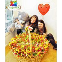 1001 тюльпан в корзине