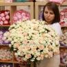 101 роза: кремовая + кустовая белая